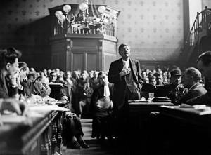 Pierre-Laval-ancien-vice-president-Conseil-gouvernement-Vichy-exprime-lors-proces-octobre-1945-Condamne-pour-haute-trahison-sera-fusille-15-octobre-1945_0_730_442